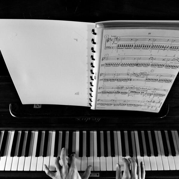 CONCIERTO DE PIANO COMPLEMENTARIO Y CÁMARA